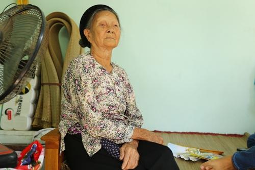 Phạm Hương nghẹn ngào xin lỗi mẹ từ phương xa - Tin sao Viet - Tin tuc sao Viet - Scandal sao Viet - Tin tuc cua Sao - Tin cua Sao