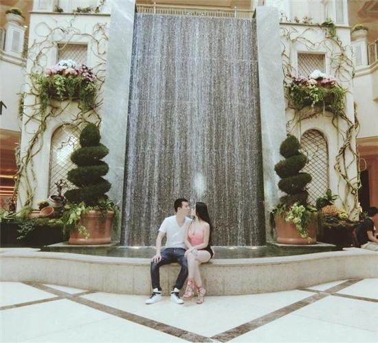 Huyền Baby hạnh phúc bên chồng và con gái. (Ảnh: Internet) - Tin sao Viet - Tin tuc sao Viet - Scandal sao Viet - Tin tuc cua Sao - Tin cua Sao
