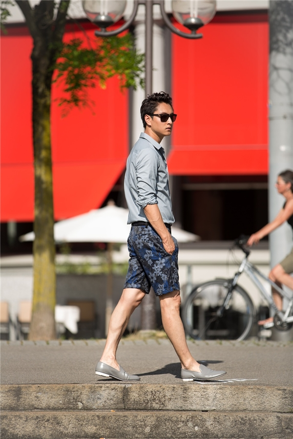 Phong cách thời trang của anhchịu ảnh hưởng từ Nick Wooster và Tom Ford. (Ảnh: Internet)