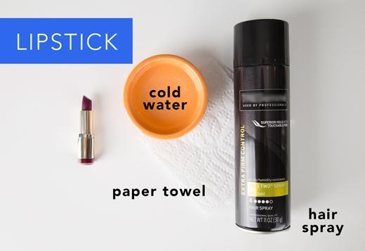 Son môi: Dùng keo xịt tóc xịt vào chỗ dính son rồi để trong 10 phút. Sau đó dùng khăn ướt lau sạch. (Ảnh: Greatist)