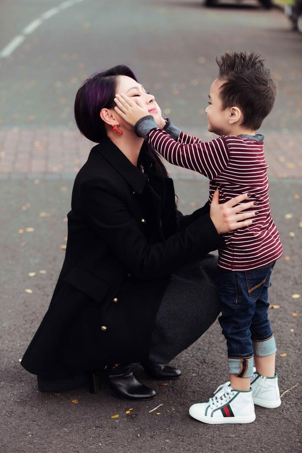 Fan thích thú trước vẻ trưởng thành từng ngày của con trai Thanh Thảo - Tin sao Viet - Tin tuc sao Viet - Scandal sao Viet - Tin tuc cua Sao - Tin cua Sao