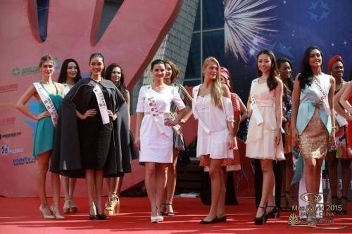 Lan Khuê tỏa sáng và không hề lép vế trước các thí sinh Miss World năm nay. - Tin sao Viet - Tin tuc sao Viet - Scandal sao Viet - Tin tuc cua Sao - Tin cua Sao