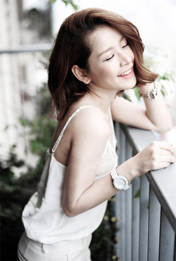 Không sở hữu vòng một nóng bỏng nhưngChi Pu vẫn nổi bần bật với vẻ đẹp lôi cuốn rất riêng. (Ảnh Internet)