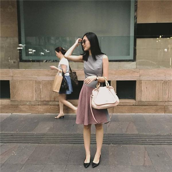 Helly Tống là người mẫu và tín đồ thời trang cực sành điệu.(Ảnh:Internet)