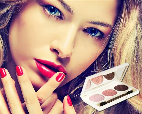 Nếu ngại phải thay đổi, bạn có thể dùng những màu mắt thường dùng và thêm vào đó chút màu cùng tông sáng hơn để làm nổi bật đôi mắt vốn rất quen thuộc.