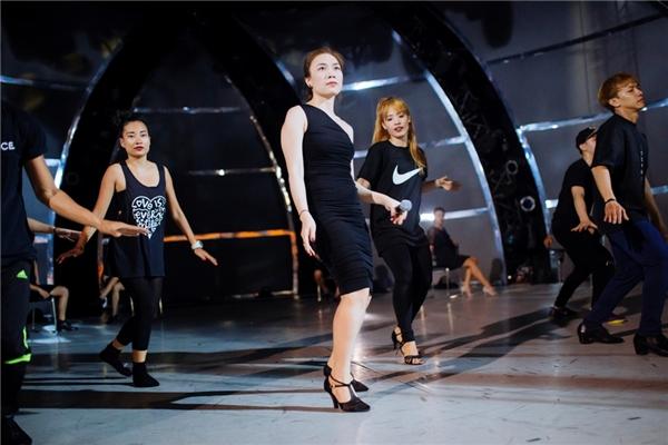 """Mỹ Tâm cật lực tập luyện điệu nhảy mới để tặng """"Gà con"""" - Tin sao Viet - Tin tuc sao Viet - Scandal sao Viet - Tin tuc cua Sao - Tin cua Sao"""
