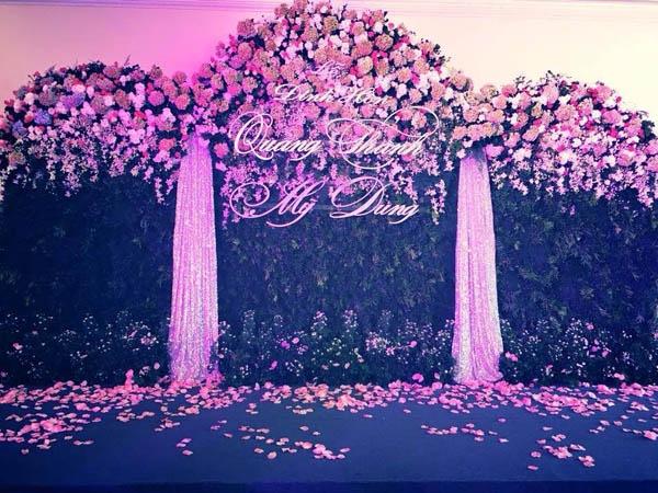 Khi hình ảnh về lễ đính hôn của Phan Thành – Midu bị rò rỉ, các fan đã vô cùng hạnh phúc vì thần tượng đã tìm được bến đỗ xứng đáng. - Tin sao Viet - Tin tuc sao Viet - Scandal sao Viet - Tin tuc cua Sao - Tin cua Sao