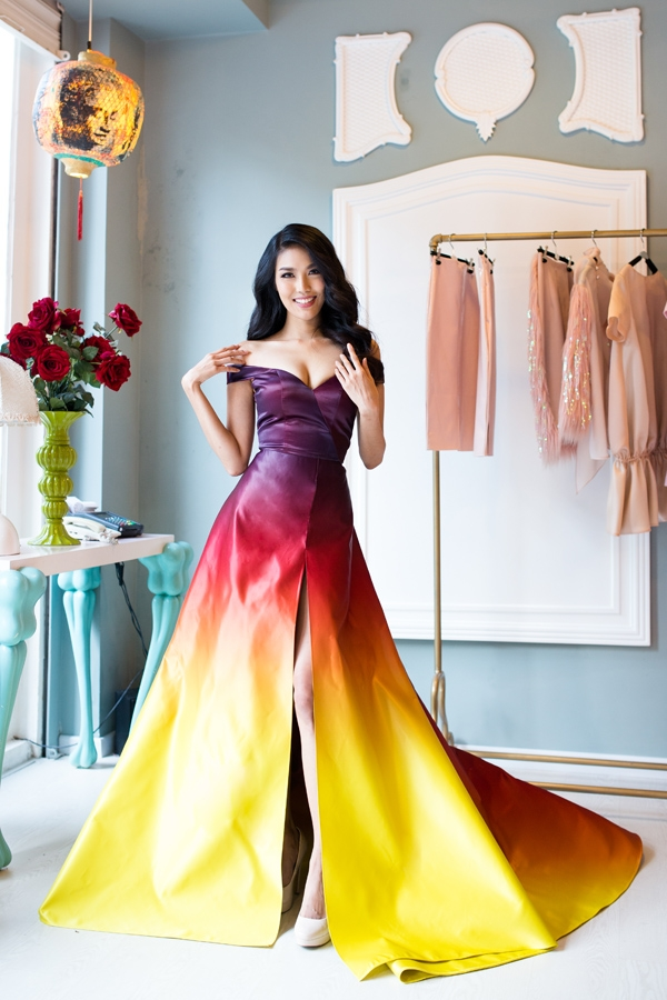 Thiết kế lọt top 10 váy dạ hội đẹp nhất của Lan Khuê.