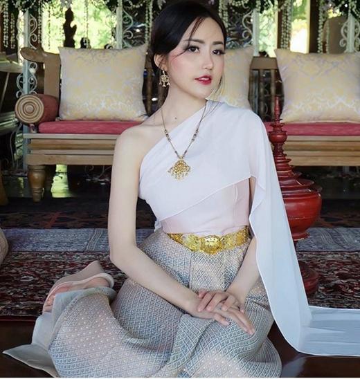 Siêu dễ thương trong trang phục dân tộc (Ảnh: Internet)