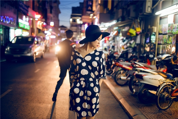 Hà Nhi nổi bật trên phố với streetstyle chất lừ. - Tin sao Viet - Tin tuc sao Viet - Scandal sao Viet - Tin tuc cua Sao - Tin cua Sao