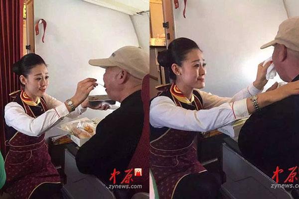 Nữ tiếp viên quỳ xuống giúp đỡ cụ ông ăn khiến cư dân mạng cảm kích.