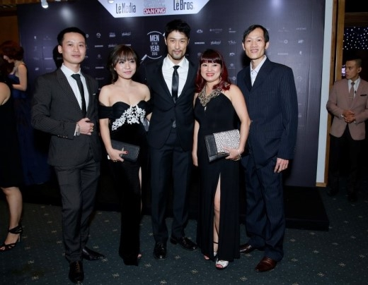 Johnny Trí Nguyễn lịch lãm tại lễ trao giải Men Of The Year 2015