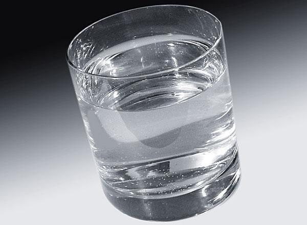 Một cốc nước trung bình chứa 10 triệu vi khuẩn