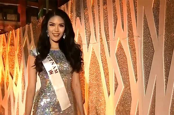 Lan Khuê tiếp tục bị chơi xấu tại đêm chung kết Miss World 2015 - Tin sao Viet - Tin tuc sao Viet - Scandal sao Viet - Tin tuc cua Sao - Tin cua Sao