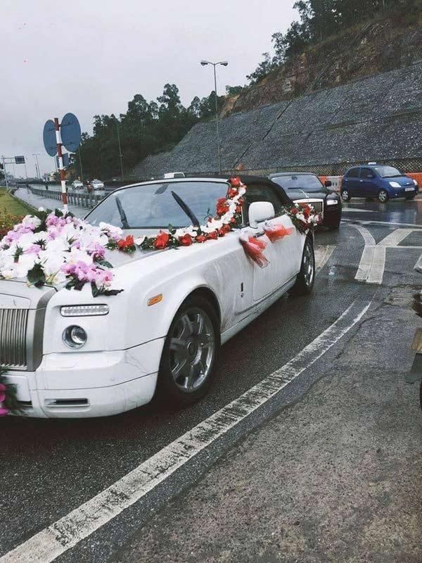 Chiếc siêu xe sang trọng tại lễ cưới. (Ảnh: Internet)  Đoàn xe rước dâu với nhiều thương hiệu xe sang trọng bậc nhất. (Ảnh: Internet)