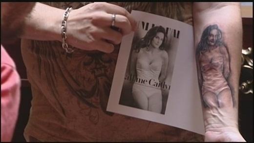 Bruce Jenner, từ bố dượng của Kim Kardashian đã trở thành bạn bè chị gái thân thiết với mẹ của cô khi quyết định chuyển giới và đổi tên mình thành Caitlyn Jenner.(Ảnh: Buzzfeed)