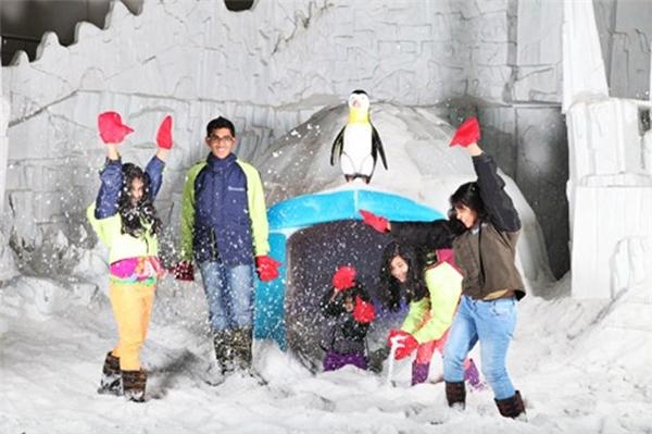 Giới trẻ hào hứng đến tham gia cùng Ngôi làngtuyết. (Ảnh Internet)