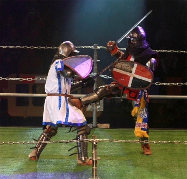 Một trậnđấu độc đáo giống như cuộc chiến giữa các hiệp sĩ thời xưa được tổ chức ở Tel Aviv, Israel.