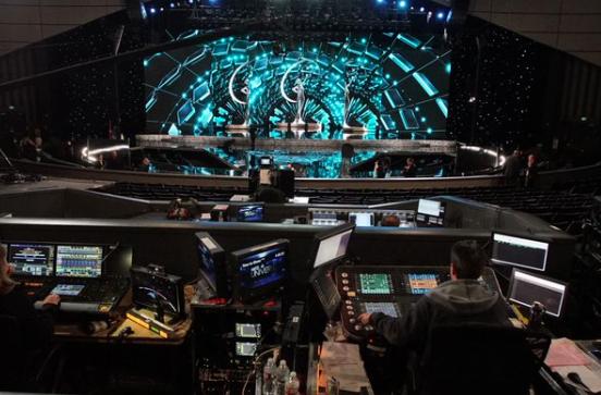 Sân khấu trước giờ G - Tin sao Viet - Tin tuc sao Viet - Scandal sao Viet - Tin tuc cua Sao - Tin cua Sao