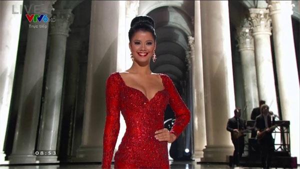 Curacao nổi bật trong bộ váy màu đỏ - Tin sao Viet - Tin tuc sao Viet - Scandal sao Viet - Tin tuc cua Sao - Tin cua Sao