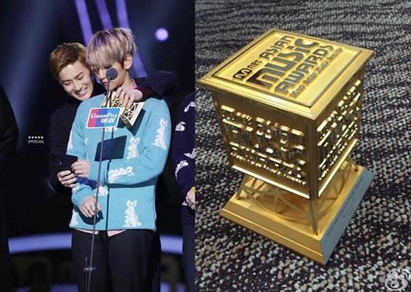 EXO đáng ra được nhận cup Album của năm lại bị trao nhầm sang cup dành cho Nhà sản xuất