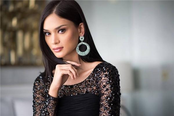 Cận cảnh nhan sắc xinh đẹp của tân Hoa hậu Hoàn vũ 2015