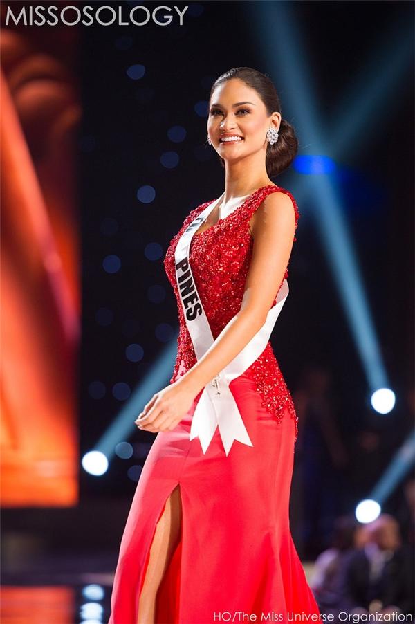 Tân Hoa hậu Hoàn vũ 2015 trong đêm bán kết vào tối 16/12 (theo giờ Mỹ).