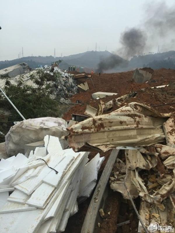 Hình ảnh hiện trường vụ lở núi.