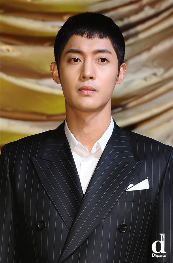 Scandal từ tháng 9 năm ngoái đã phá tan sự nghiệp của Kim Hyun Joong