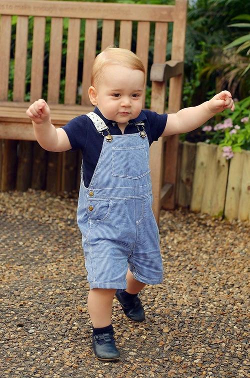 Hoàng tử George Alexander Louis là nhân vật đứng đầu trong danh sách 10 đứa trẻ giàu nhất năm 2015. Ảnh: Internet