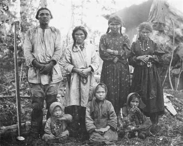 Bức ảnh gia đình người Mansi