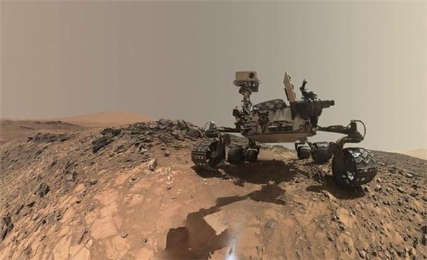 Thiết bị tự hành Curiosity trên sao Hỏa. Ảnh: Reuters