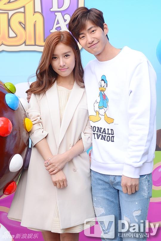 """Những cặp đôi """"gây sốt"""" truyền hình thực tế Hàn năm 2015"""