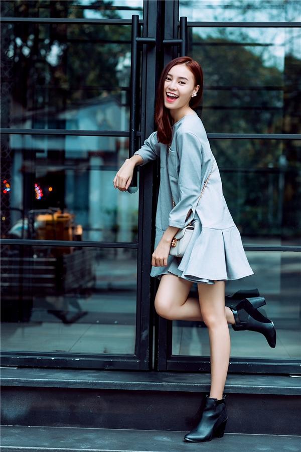 Mặc đẹp ngày cuối năm với trang phục đơn sắc như Lan Ngọc