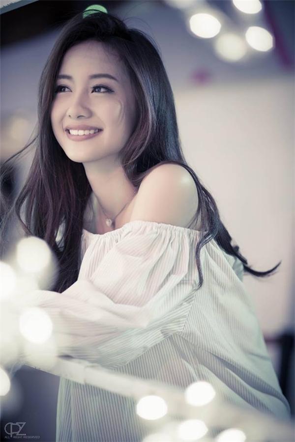 Jun Vũ rất được giới trẻ yêu mến nhờ vẻ ngoài xinh xắn, dịu dàng vàthu hút. (Ảnh: Internet)