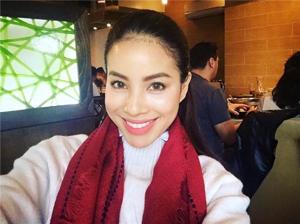 Do áp lực cũng như cường độ làm việc cao nên khi tham gia Miss Universe 2015 Phạm Hương đã sụt 3 kí. - Tin sao Viet - Tin tuc sao Viet - Scandal sao Viet - Tin tuc cua Sao - Tin cua Sao