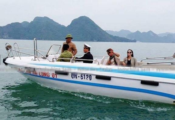 Cặp đôi rất thân thiện với các thuyền viên