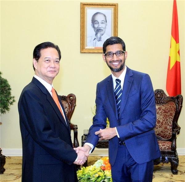Thủ tưởng Nguyễn Tấn Dũng và CEO Google - Sundar Pichai.(Ảnh: Internet)