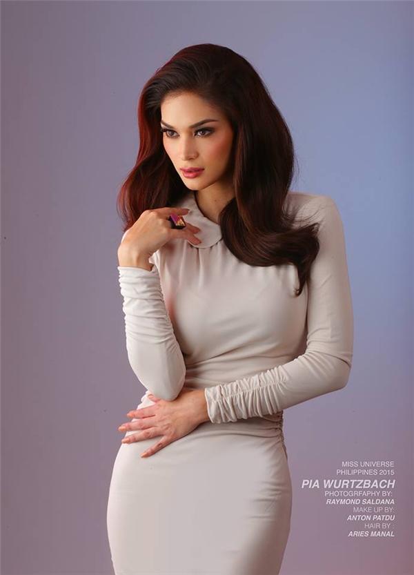 Pia từng là người mẫu chuyên nghiệp tại quê nhà.