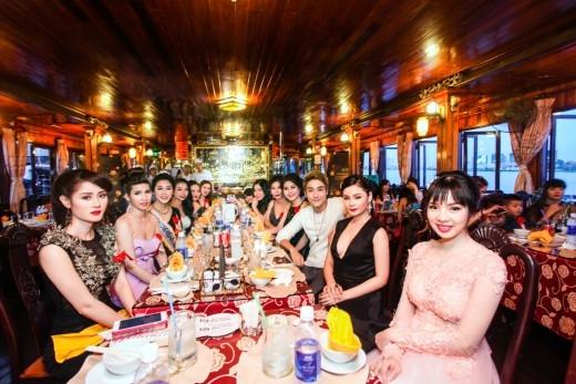 Ngày hội Doanh nhân tổ chức tại du thuyền 5 sao trên sông Sài Gòn