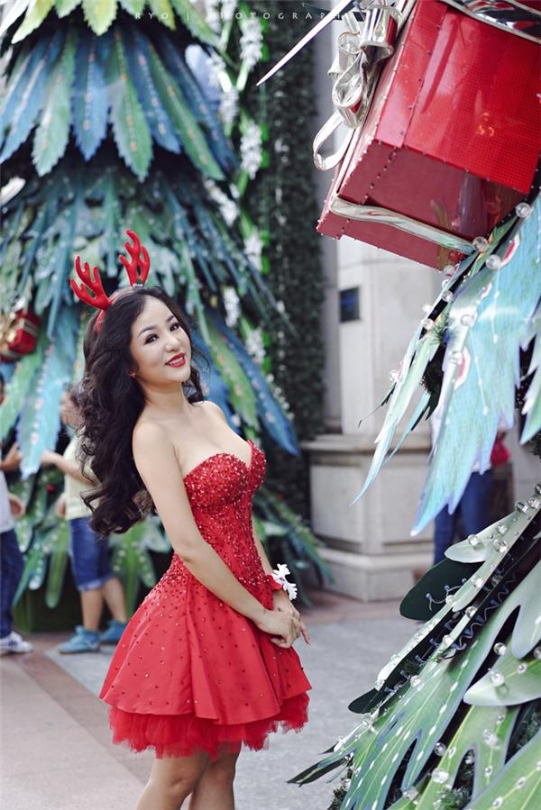 Ngắm sao Việt nhuộm đỏ phố phường mùa Noel - Tin sao Viet - Tin tuc sao Viet - Scandal sao Viet - Tin tuc cua Sao - Tin cua Sao