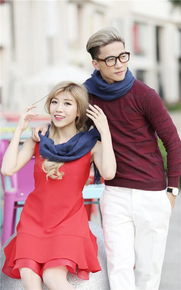 Cặp đôi có sự đồng điệu từ màu tóc đến trang phục. - Tin sao Viet - Tin tuc sao Viet - Scandal sao Viet - Tin tuc cua Sao - Tin cua Sao