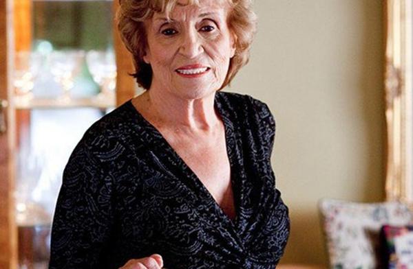 Bà Marie Kolstad nâng ngực ở tuổi 83.