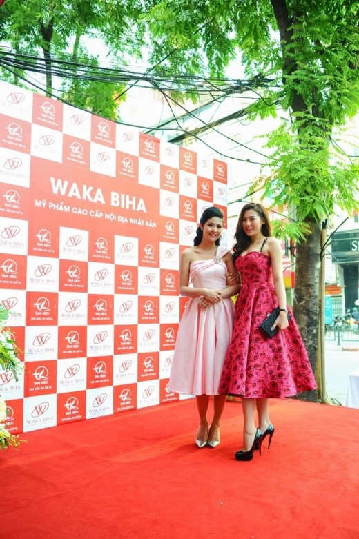 Ngọc Hân và Tú Anh đều là 2 gương mặt đã đồng hành cùng công ty Tâm Hiếu trong suốt thời gian từ khi showroom Waka Biha được thành lập.