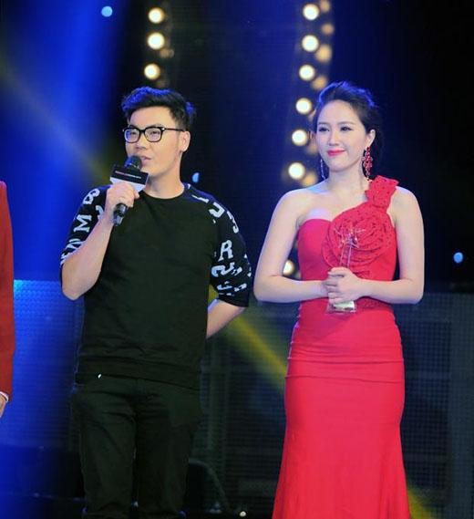 Bảo Thy nhận giải ca khúc của năm tại Yan Vpop 20 Award 2013. - Tin sao Viet - Tin tuc sao Viet - Scandal sao Viet - Tin tuc cua Sao - Tin cua Sao