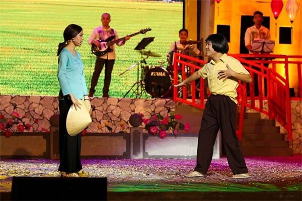 Live show Chàng hề xứ Quảng của Trường Giang nhận được nhiều lời ngợi khen. Ảnh: NVCC - Tin sao Viet - Tin tuc sao Viet - Scandal sao Viet - Tin tuc cua Sao - Tin cua Sao