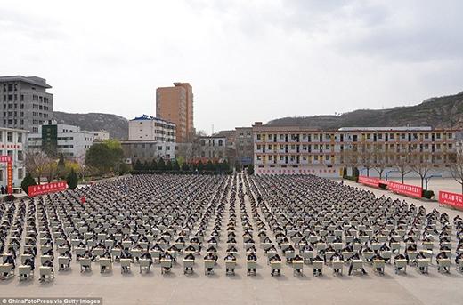 Các kì thi ngoài trời vốn phổ biến từ lâu ở Trung Quốc (Ảnh: Internet)