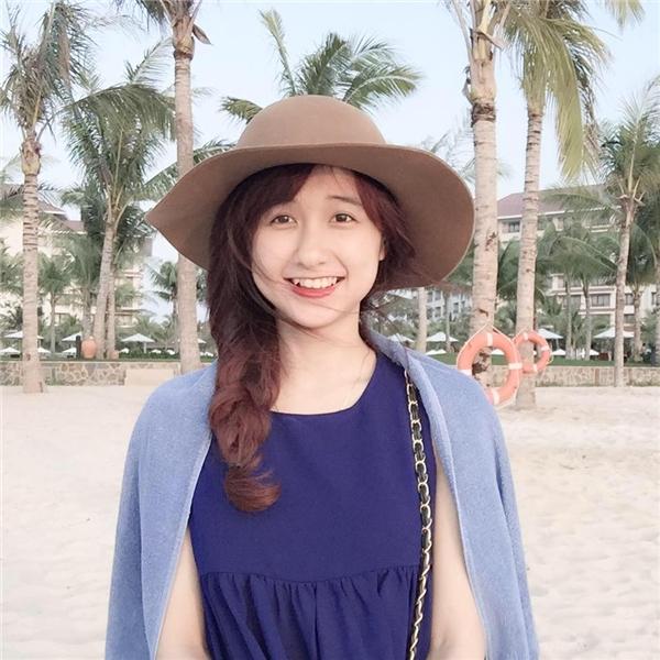 """Sở hữu gương mặt xinh xắn cùng nụ cười """"tỏa nắng"""", cô nàng thu hút hơn 30.000 lượt theo dõi trên trang cá nhân.(Ảnh:Internet)"""