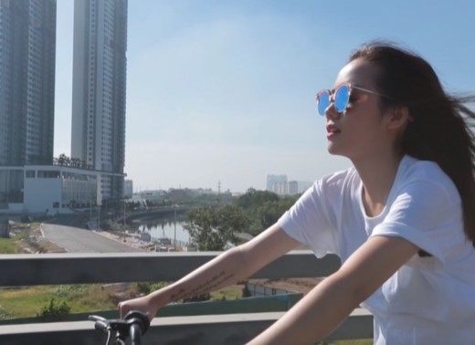 """Mở đầu show là những hình ảnh đạp xe cực """"kool"""" đến với điểm hẹn. - Tin sao Viet - Tin tuc sao Viet - Scandal sao Viet - Tin tuc cua Sao - Tin cua Sao"""