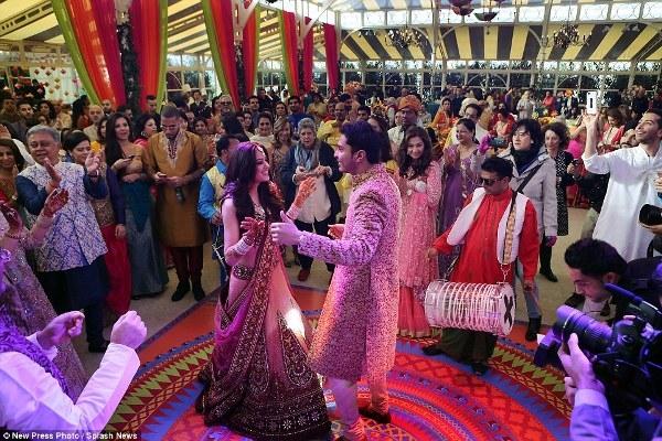 Mỗi năm, có khoảng 20 triệuđám cưới diễn ra tại khắp Ấn Độ. (Ảnh: Internet)